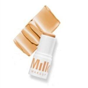 Milk Blur Stick Silicone-free matte primer